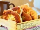 Рецепта Бабини пържени мекици с кисело мляко